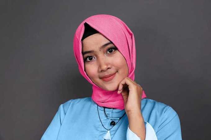 biru muda dan soft pink