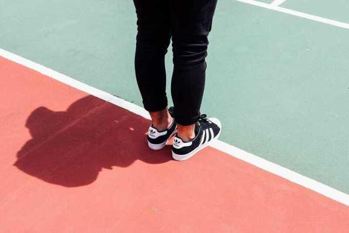 perbedaan sepatu adidas ori dan kw