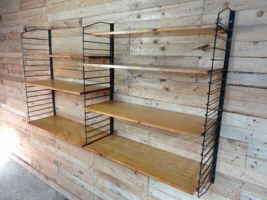 kombinasi rak kayu dan besi