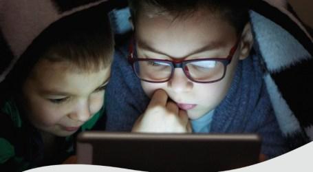 Hoy jueves. Quién tiene mas autoridad, los padres o Google?