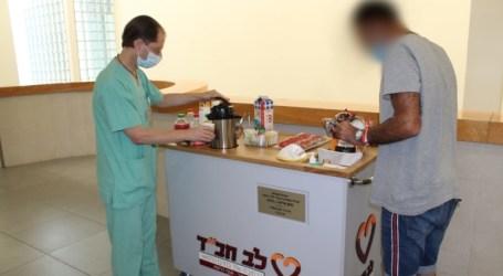 Carrito de refrescos para los hospitalizados
