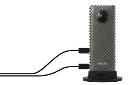 resize productImage 1 Ricoh R是一款有著Theta全天周相機的直播應用開發套件