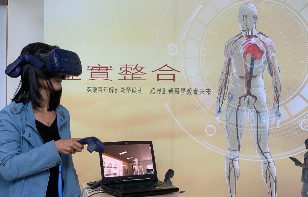 IMG 2946 HTC攜手台北醫學大學 將VR與醫療教學結合、變得有趣