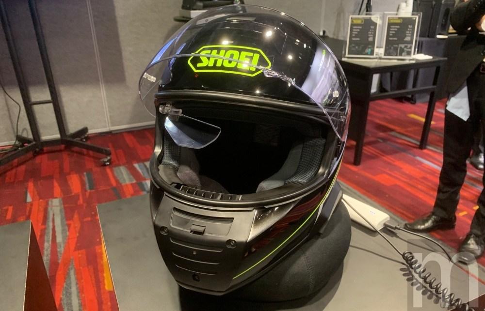 IMG 4424 動手玩/NS West攜手SHOEI合作智慧安全帽 功能簡單,但很實用