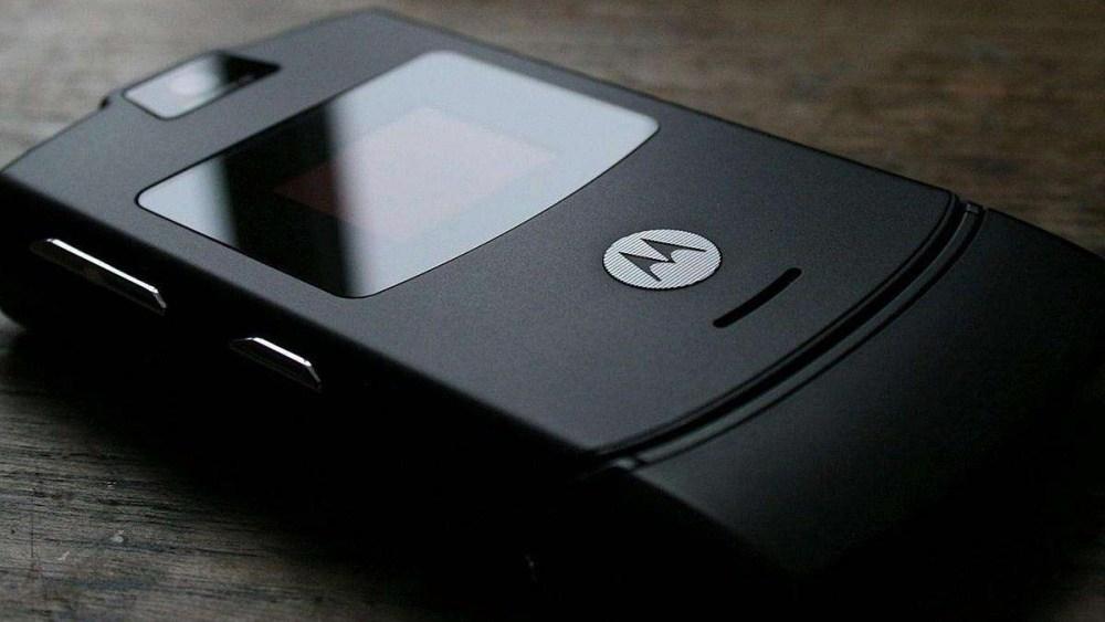 TB2Zhz rZj B1NjSZFHXXaDWpXa 3104657022 0 beehive scenes Motorola證實研究螢幕可凹折手機 其中包含「Z」字狀兩次凹折設計