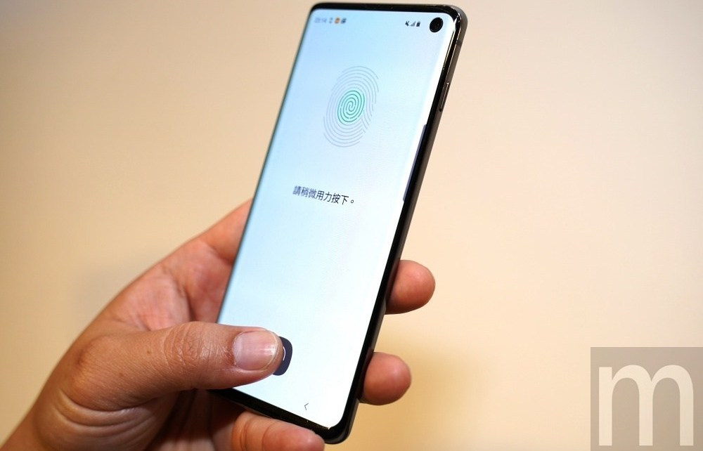 GS10 16 Galaxy S10系列手機螢幕下指紋辨識再次異常?三星:將在後續修正