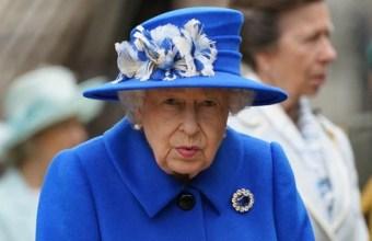 ملکہ برطانیہ الزبتھ