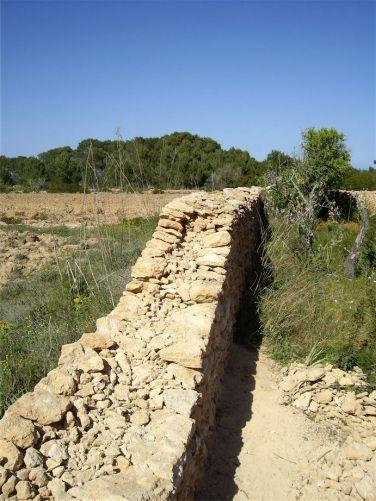 7 Reconstrucción de pared de piedra en seco