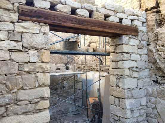 56 Pilares maestros de piedra