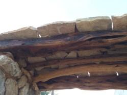 24 Detalle del aspecto inferior y protección ext. con losas de piedra