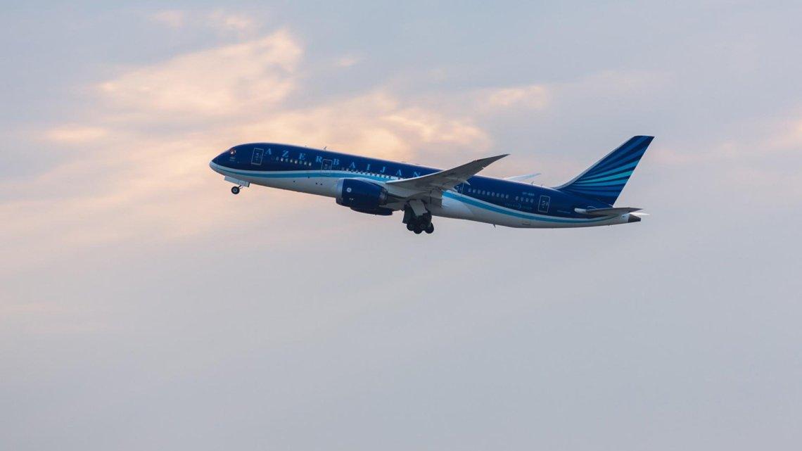 AZAL — Direktflüge nach Baku von Berlin (Aserbaidschanische Fluggesellschaft)