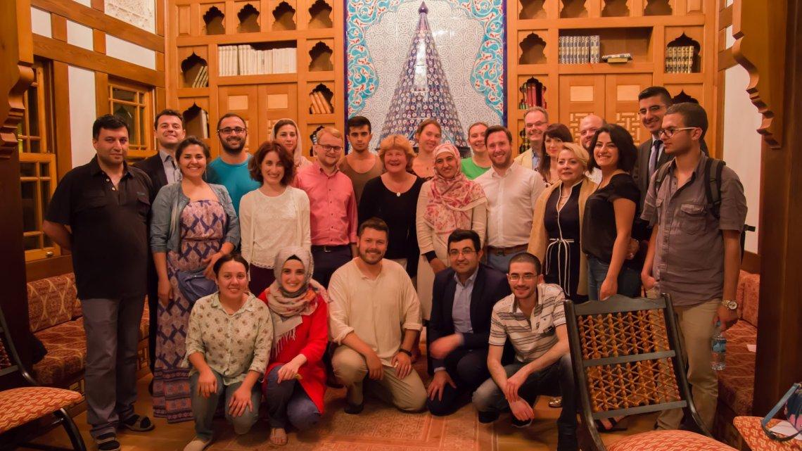 Interreligiöses Iftar-Mahl