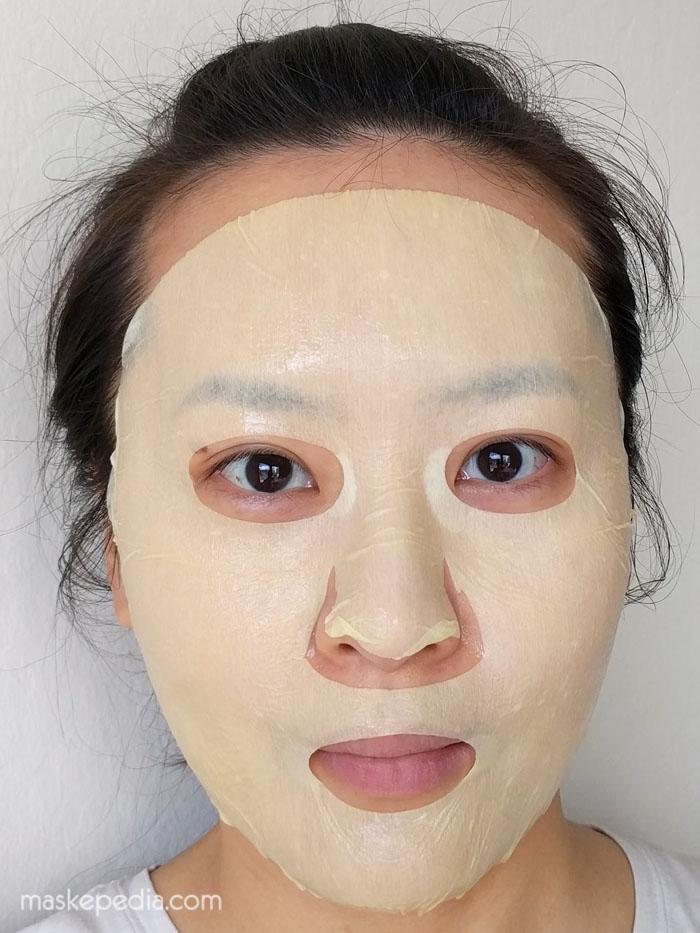 23 Years Old Sitra Dermaseal Mask