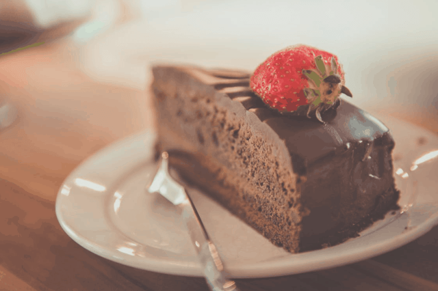 low-calorie chocolate cake and chocolate protein icing recipe