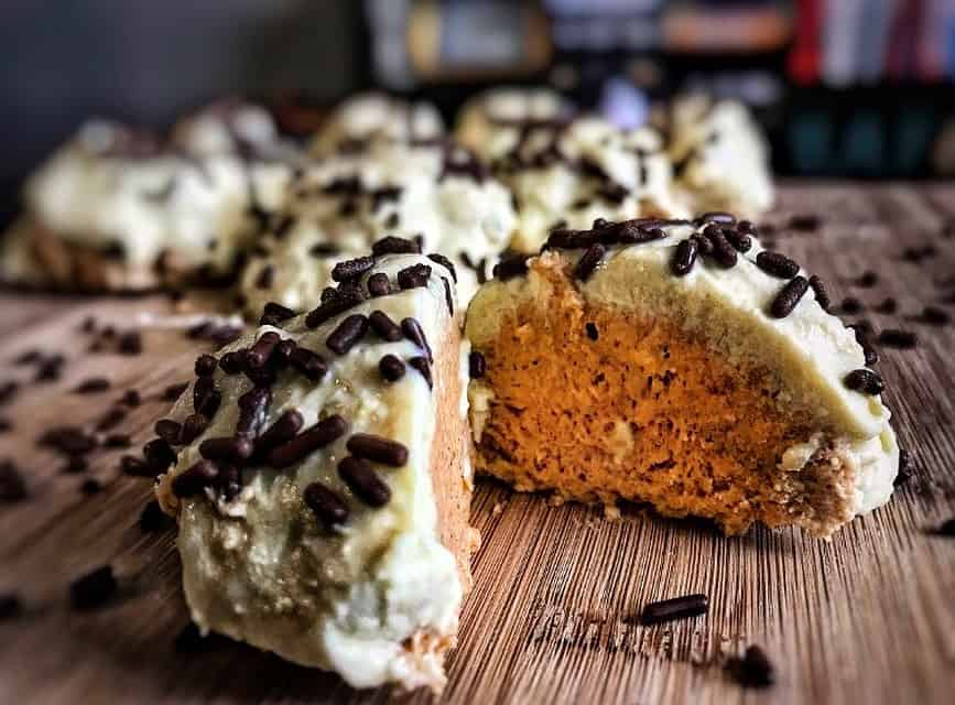 no bake pumpkin cheesecake protein bites