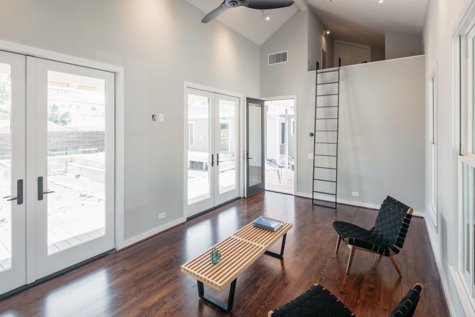 2040A Arlington Street (Private Residence)