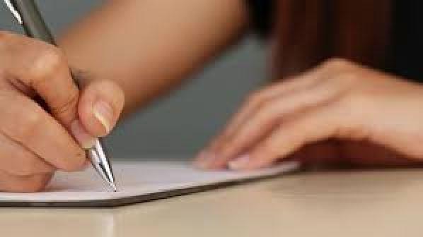 ma copine ne me fais pas de calins main feuille style ecrire