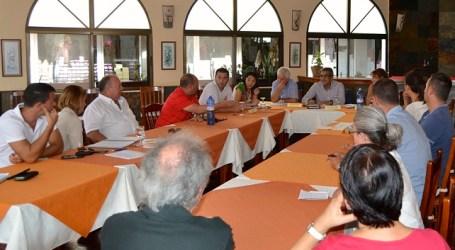 Román Rodríguez se reúne con la Asociación de Empresarios de Playa de Mogán