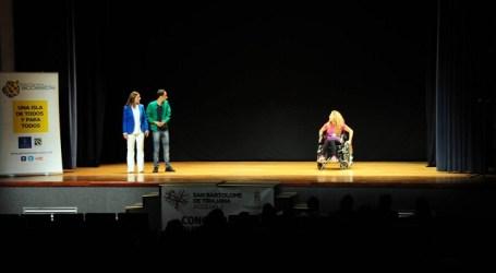 Más de 200 estudiantes debaten en Maspalomas sobre la discapacidad y la amistad