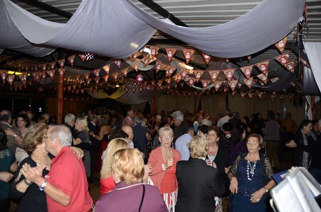Navidad tirajanera, baile de mayores en el Aeroclub de Tarajalillo