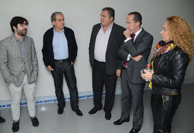 El alcalde José Miguel Rodríguez (2º por la izquierda) acompaña a miembros del Cabildo de Gran Canaria