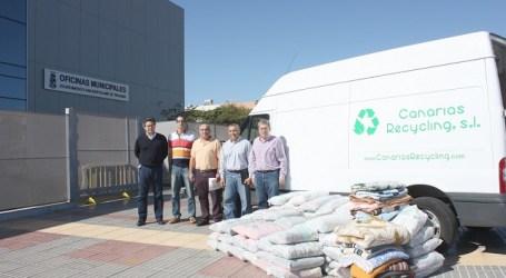 San Bartolomé de Tirajana desechó 108.000 kilos de ropa usada durante el 2013