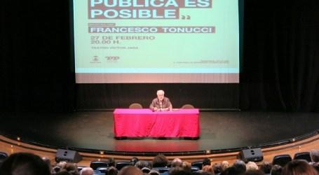 Francesco Tonucci presenta en Santa Lucía su proyecto internacional 'La Ciudad de los Niños'