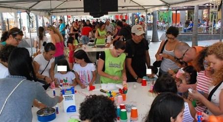 Santa Lucía se inspira en el circo para invitar a los niños a leer