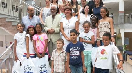 Santa Lucía recibe a los niños saharauis de la campaña 'Vacaciones en Paz'