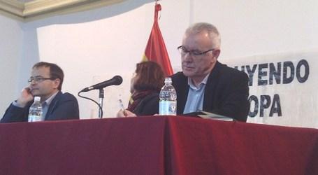 """IU rechaza los """"indignantes consejos"""" de Interior a la mujer"""