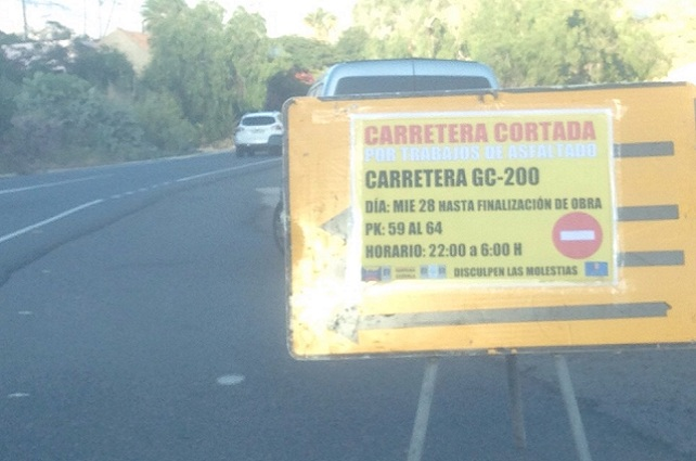 Cartel de aviso en la GC 200