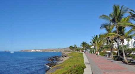 Una mancha de fuel amenaza la costa de Maspalomas, frente a Meloneras