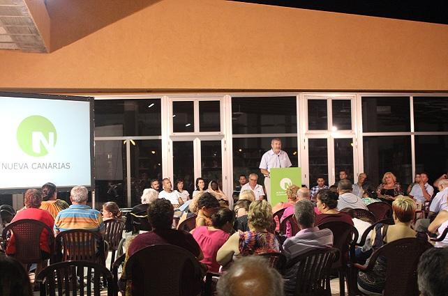 El candidato Angel López, en Castillo del Romeral