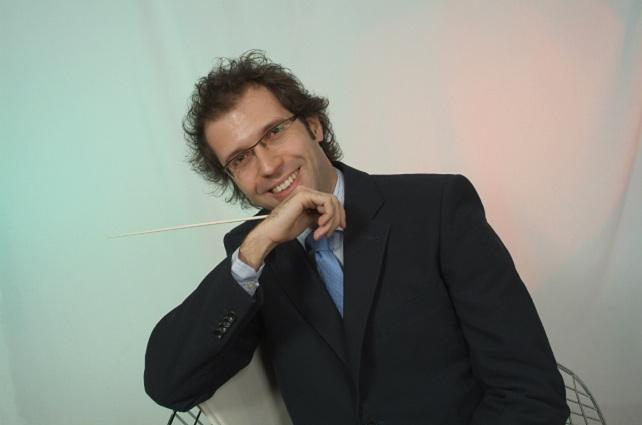 Santiago Serrate, director