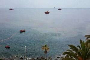 Vertido buque pesquero (foto: Mari Carmen Santana)