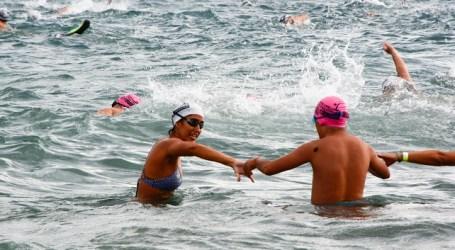 La Travesía a nado de Maspalomas concluye con éxito a pesar de las corrientes