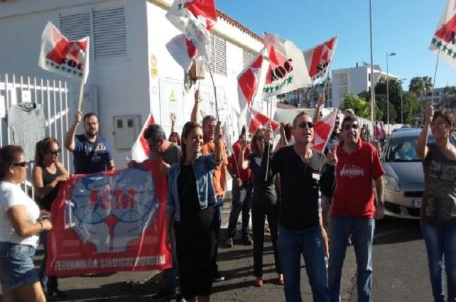Huelga en Los Arcos, en Playa del Inglés