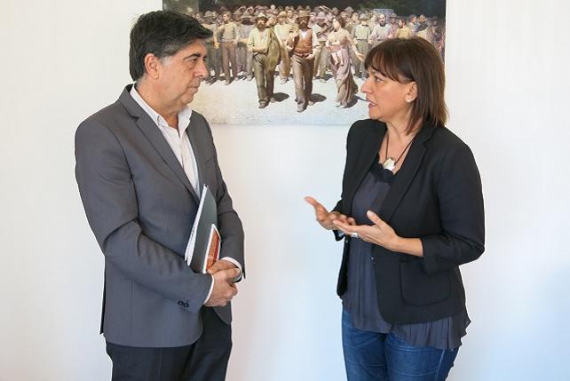 La alcaldesa de Santa Lucía, con el consejero de Empleo del Cabildo de Gran Canaria