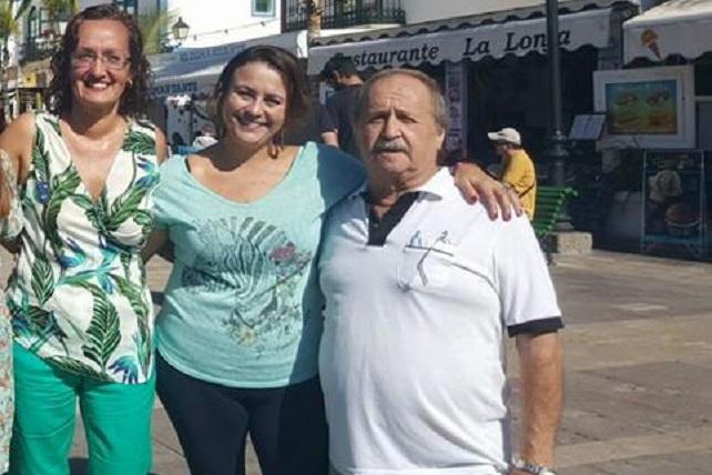 Domingo Rodríguez, con Pino González (PSOE) y Grimanesa Pérez (Ciuca)