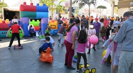 Santa Lucía celebra el Día del Libro con fiesta infantil en la zona peatonal y Algodoneros