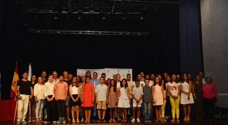 Maspalomas premia a los mejores escolares de 6º de Primaria y 4º de ESO
