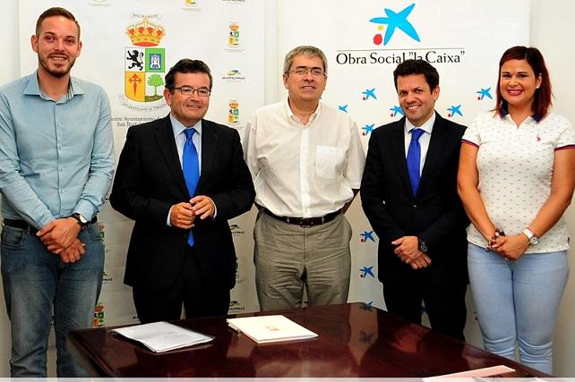 El Ayuntamiento de San Bartolomé de Tirajana y la Caixa firmaron un convenio social de colaboración