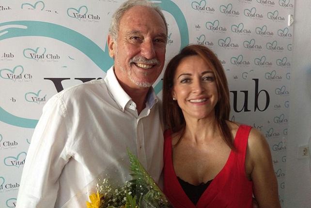 Victoriano Marrero con su sobrina Noemi Marrero, gerente de Vital Club