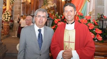 San Bartolomé recibe honores del último sacerdote nacido en Tunte