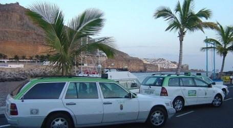 Taxistas de Mogán se sienten impotentes ante la 'insostenible' situación del sector