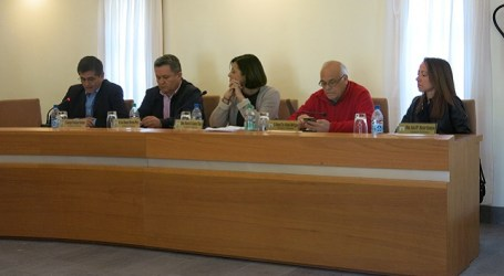 El pleno de Santa Lucía se suma a la campaña de Amnistía Internacional en apoyo a los refugiados