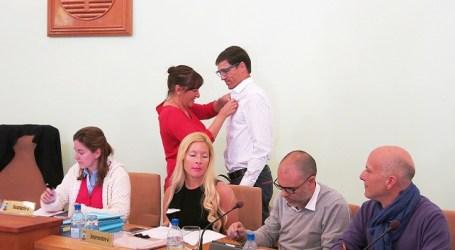 Alejandro Díaz toma posesión de su cargo de concejal de Coalición-Fortaleza en Santa Lucía