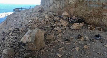 Un desprendimiento en la GC-500 provoca dos heridos y obliga al cierre de la vía entre Taurito y Mogán