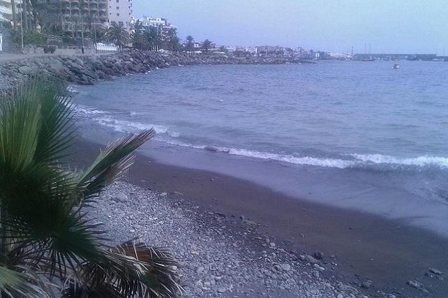 Playa cerrada junto al hotel Sunwing