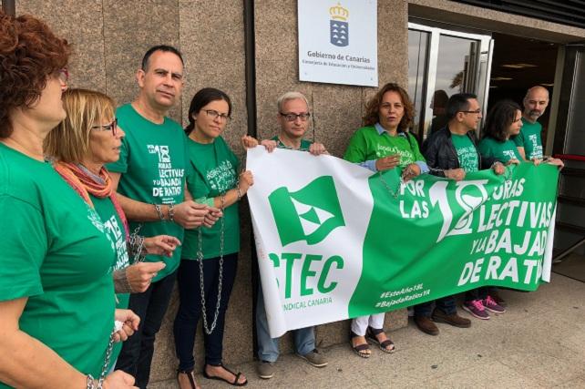 STEC, encadenados en la Consejería de Educación